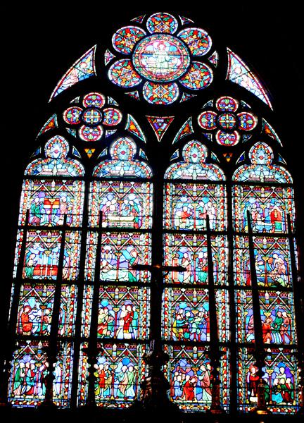 欧洲教堂的彩绘玻璃窗