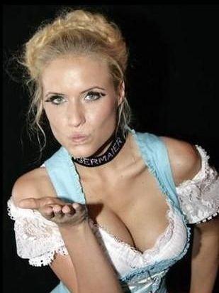 德国女主播莲娜?格贝尔