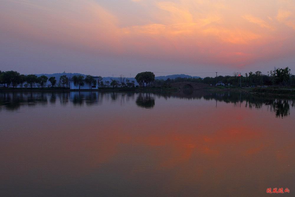 暮色下的石湖景区