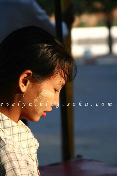 缅甸-烟云中的佛塔-到达曼德勒-纹身-搜狐博客