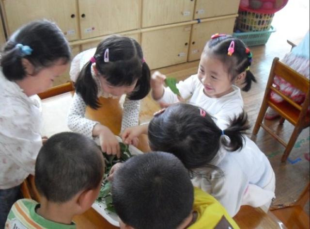 幼儿园老师拍照造型图片