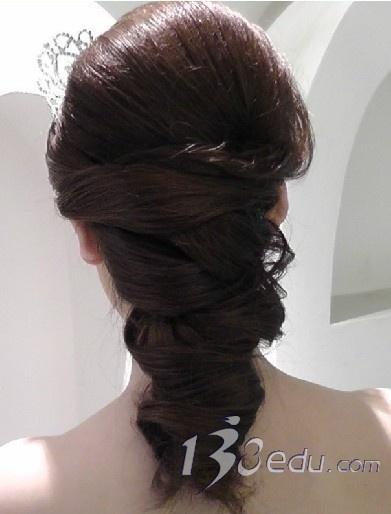 复古韩式新娘盘发发型-2012最流行新娘盘发发型