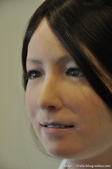 日本研制的美女机器人组图+视频