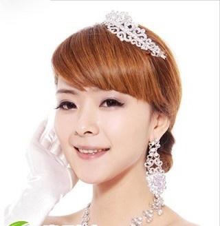 典雅好看的新娘盘发发型设计图片